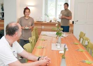 """Bei dem Projekt """"OBENauf"""" vermieten Menschen mit und ohne Behinderung Zimmer mit Frühstück und ermöglichen so einen """"Urlaub am Bauernhof""""."""